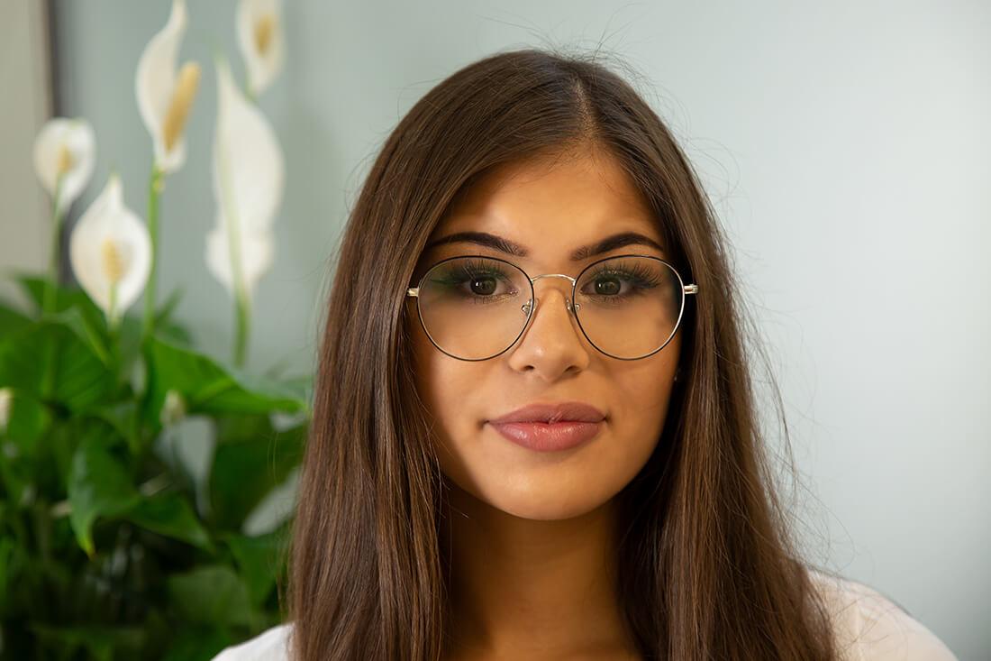 Team - Frauenärztin Weinheim - Dr. medic. Ioana Kudlich - Portrait Mitarbeiterin
